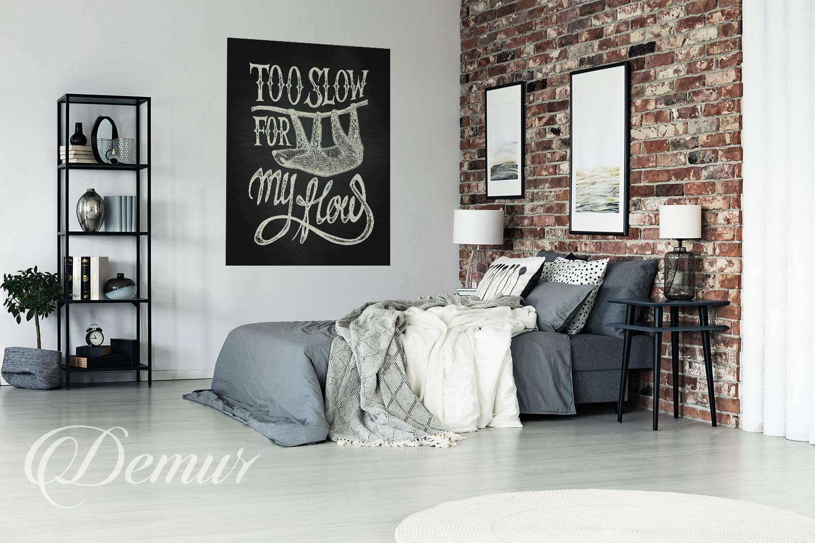 Plakat zabawny napis - Pomysł na ścianę w sypialni - Demur