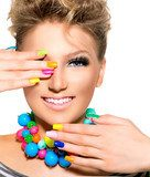 Beauty Girl with Colorful Makeup, Nail polish and Accessories  Ludzie Plakat