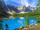 Vivid hues of Lake Moraine at Banff National Park, Canada  Krajobraz Fototapeta