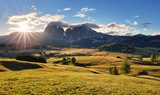 Beautiful Scenery from Alpe di Siusi, Italy in summer sunrise li Góry Fototapeta
