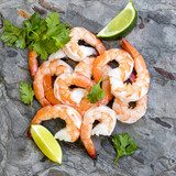 Shrimps on Slate Top View with Lime and Cilantro Obrazy do Jadalni Obraz