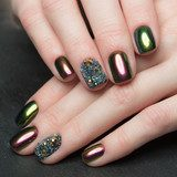 Beautifil Colorful manicure with rhinestone. Nail Design. Close-up. Obrazy do Salonu Kosmetycznego Obraz