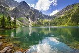Beautiful scenery of Tatra mountains and lake in Poland  Pejzaże Plakat