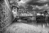 Ponte Vecchio over Arno River, Florence, Italy. Beautiful black  Miasta Fototapeta