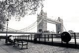 A black and white view of Tower Bridge  Fototapety Czarno-Białe Fototapeta