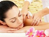 Woman having massage of shoulder in spa salon  Obrazy do Salonu SPA Obraz