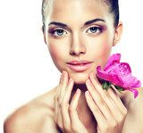 Beauty Portrait. Beautiful Spa Woman Touching her Face  Obrazy do Salonu SPA Obraz