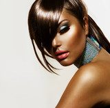 Fashion Beauty Girl. Stylish Haircut and Makeup  Obrazy do Salonu Fryzjerskiego Obraz