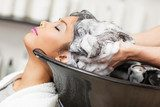 Hair Washing  Obrazy do Salonu Fryzjerskiego Obraz