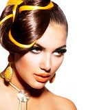 Fashion Model Girl Portrait with Yellow and Orange Makeup  Obrazy do Salonu Fryzjerskiego Obraz