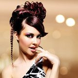Face of beautiful woman with fashion hairstyle and glamour makeu  Obrazy do Salonu Fryzjerskiego Obraz