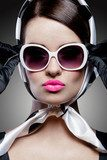 gorgeous caucasian brunette with sunglasses  Pin-up Obraz
