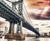Dusk colors of the sky over magnificent Manhattan Bridge Mosty Obraz