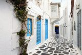Traditional streets of Mykonos island in Greece Uliczki Fototapeta