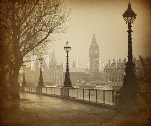 Vintage Retro Picture of Big Ben / Houses of Parliament (London)