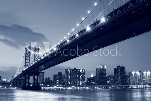 Manhattan Bridge and Manhattan skyline At Night Mosty Obraz
